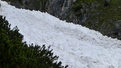 Thumbnail of Amazing avalanche in Austria