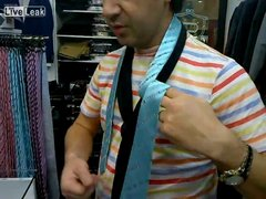Thumbnail of The fastest way to tie a tie