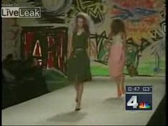 Thumbnail of Catwalk girl