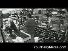Thumbnail of Dog foils robbery attempt