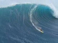 Thumbnail of Amazing wave surfing