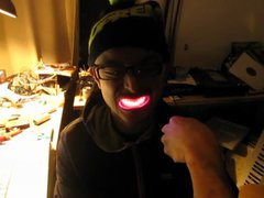 Thumbnail of A shiny smile