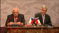 Thumbnail of President of Czech Republic steals pen